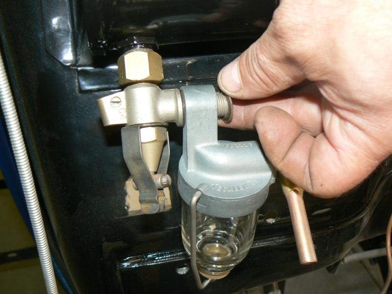 des idees pour un robinet d'essence Rosalie 8 P1040910