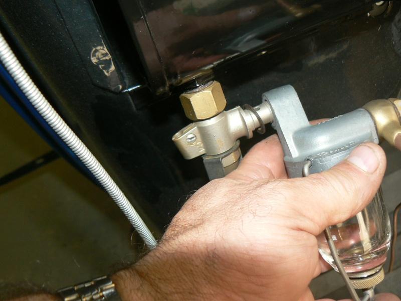 des idees pour un robinet d'essence Rosalie 8 P1040911