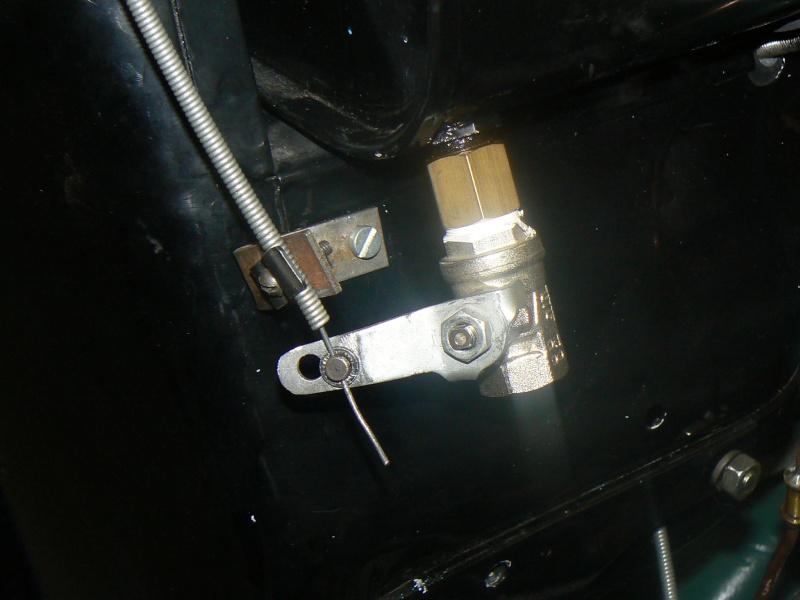 des idees pour un robinet d'essence Rosalie 8 P1080110
