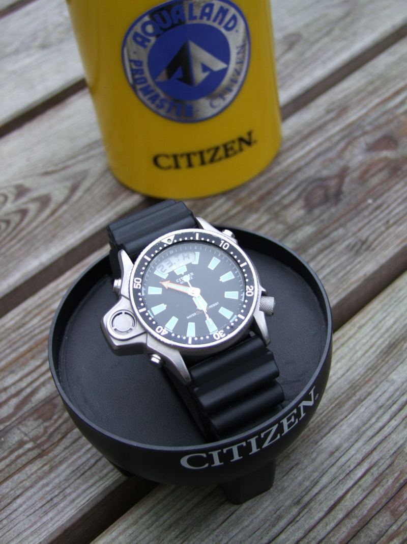CITIZEN Aqualand 1 Diver's 200 JP2000-08E - Page 4 Citize10