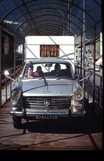A quoi ressemblait un E38iste, avant.... Avec un véhicule. - Page 2 2-ital10