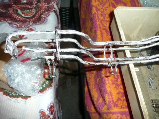 Comment nettoyer faire briller des rails ou rampe en métal P1040224