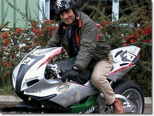 Mais qui monte cette moto ? - Page 6 Cherch10