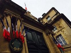 Un Policier National blessé et un Policier Féminin Municipal grièvement blessé(e) par balle à la tête et au Thorax en Région Parisienne jeudi matin 20 mai 2010,morte à l'hôpital. B6webm11