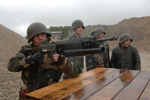 Matériels forces spéciales Françaises (source ministère des armées) Le-fus10