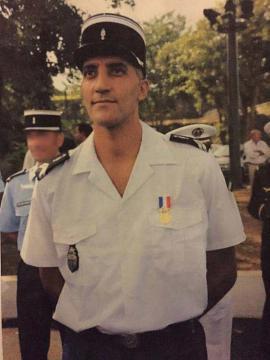 Hommage au Major de Gendarmerie de la brigade fluviale , noyé dans un tourbillon le Samedi 20 février 2016 à AMIENS dans la Somme . Le-gen10