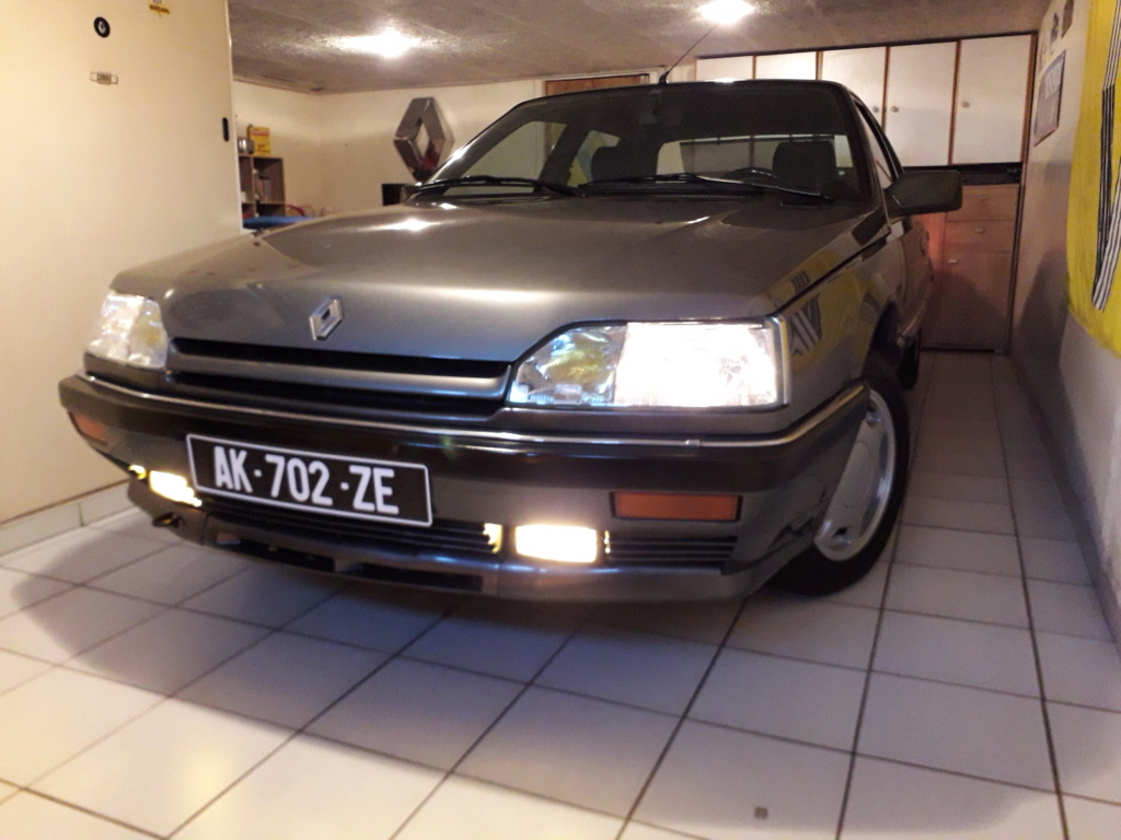 [Mad Max] Renault 25 Turbo DX 1992 - Page 2 20200510