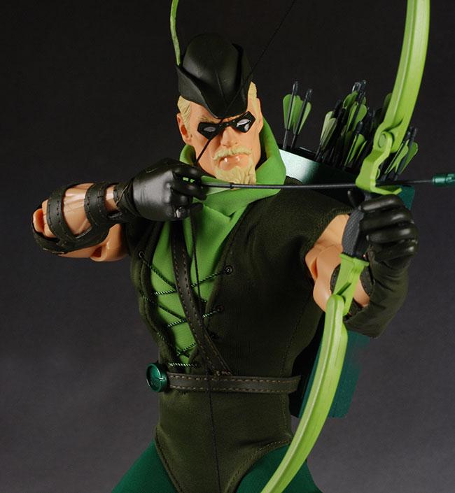 DC DIRECT: GREEN ARROW, FLASH, MANHUNTER, SHAZAM!, AQUAMAN  Green_12