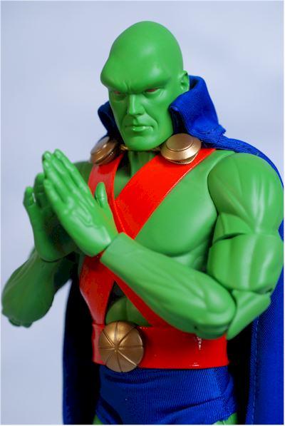 DC DIRECT: GREEN ARROW, FLASH, MANHUNTER, SHAZAM!, AQUAMAN  Manhun10