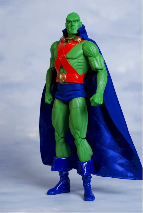 DC DIRECT: GREEN ARROW, FLASH, MANHUNTER, SHAZAM!, AQUAMAN  Manhun12