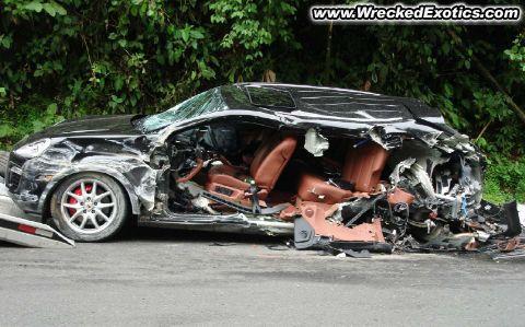 Crash de Super Cars Cayenn10