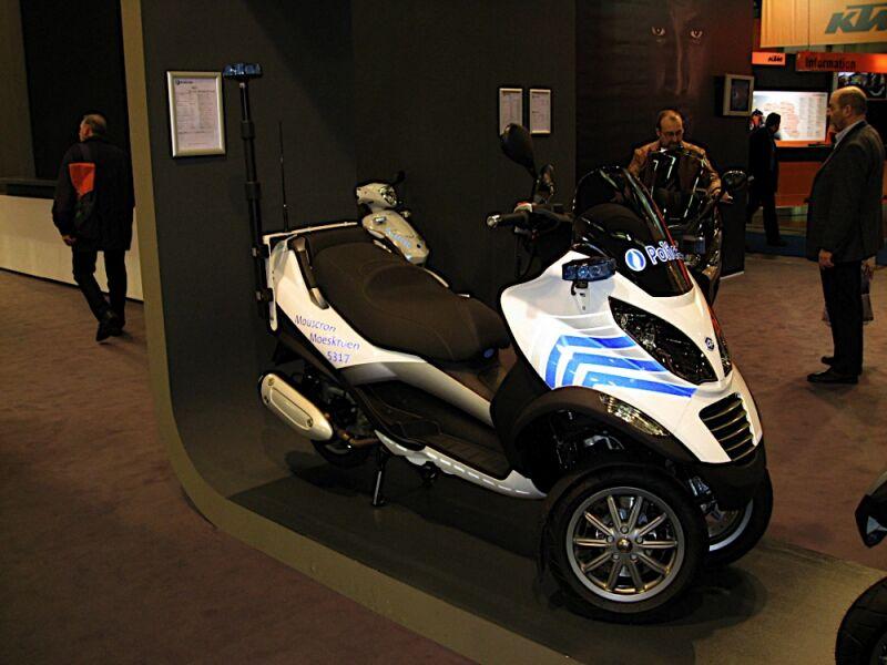 Les Gendarmes de St Tropez recrutent........... Belgiq10