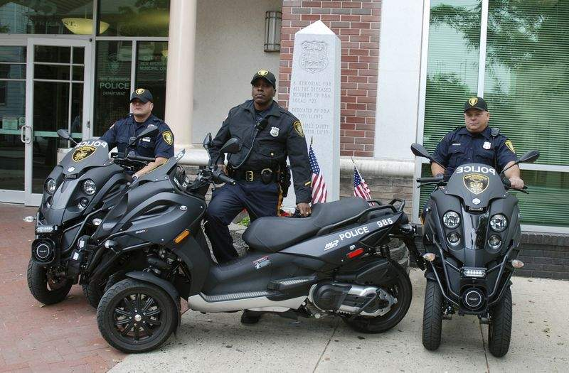 Les Gendarmes de St Tropez recrutent........... Raevh10