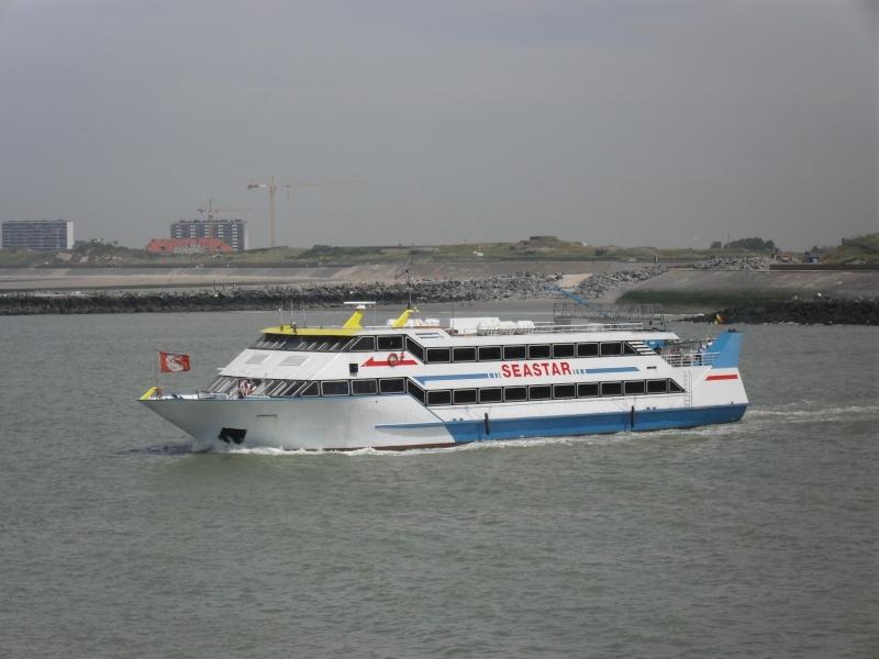 Activité maritime à Ostende Sdc10221
