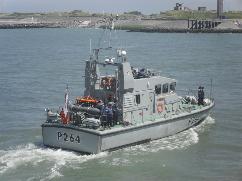 Archer-class patrol vessels Sdc10310