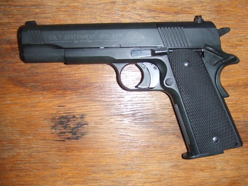 240 diana 4x32, beretta 92fs laser, p88 compétition, pistolet arbalette 80lbs - Page 2 Dscf4110