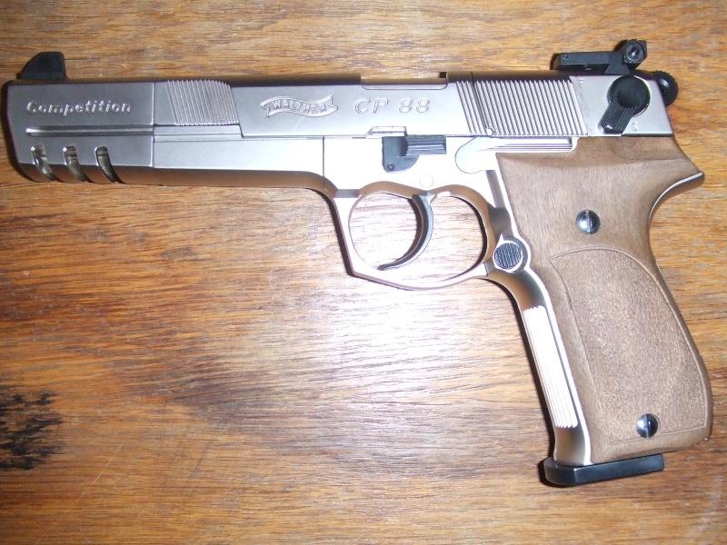 240 diana 4x32, beretta 92fs laser, p88 compétition, pistolet arbalette 80lbs - Page 2 Dscf4112