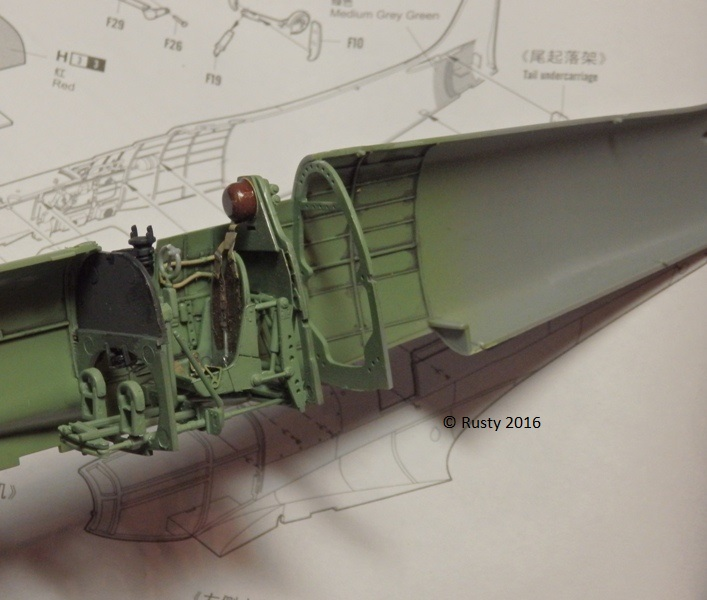 SPITFIRE Mk.Vb TROP [1/32 HOBBY BOSS] P3132613
