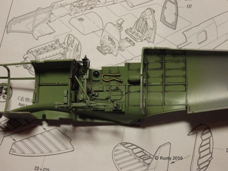SPITFIRE Mk.Vb TROP [1/32 HOBBY BOSS] P3132614
