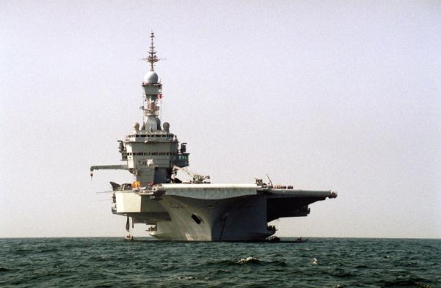 Charles de Gaulle Mission Héraclès 2001-2002 Cdg_au11