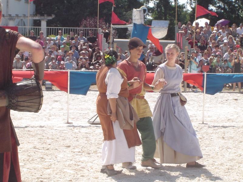 Fête médiévale du château de Montrond les Bains (42) - Page 3 Dsc03024