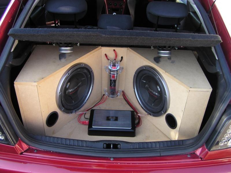 mes voiture xsara saxo et ancienne megane P1010010