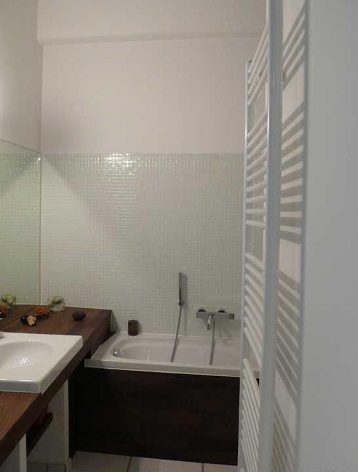 une belle petite salle de bain 00119010