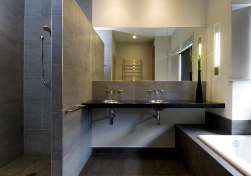une belle petite salle de bain 2006ba10