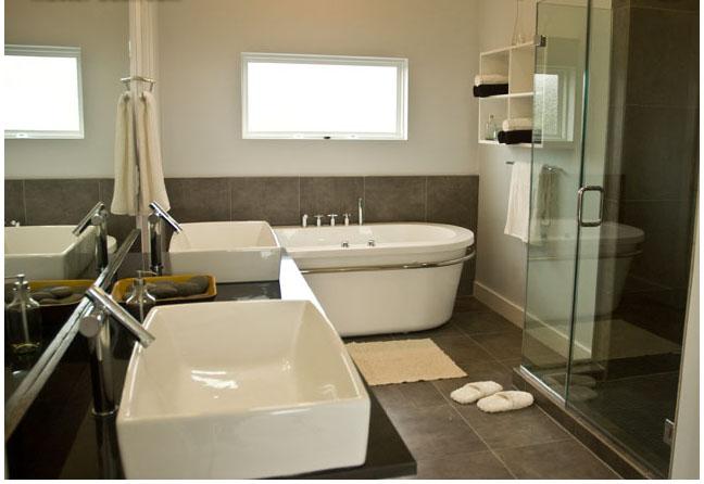 salle de bain à refaire entièrement !(photo p2) Bathro11