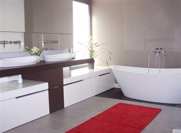 salle de bain à refaire entièrement !(photo p2) L0600810