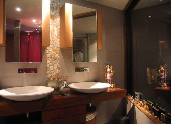 salle de bain à refaire entièrement !(photo p2) L0700011