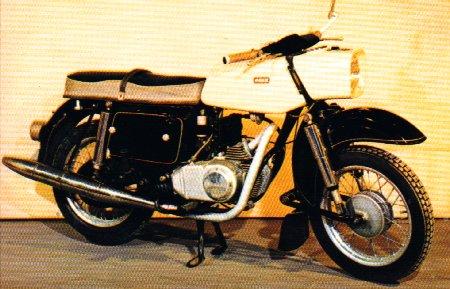 Modèles spéciaux, prototypes et motos de courses 1965_m10
