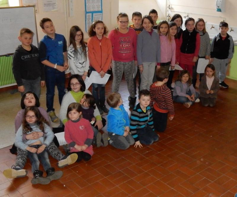 Poésie des enfants en cours de l'exposition à Le Guyader Dscn2314