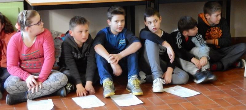 Poésie des enfants en cours de l'exposition à Le Guyader Dscn2316