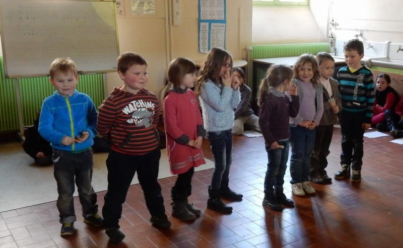 Poésie des enfants en cours de l'exposition à Le Guyader Dscn2319