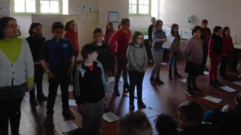 Poésie des enfants en cours de l'exposition à Le Guyader Dscn2320
