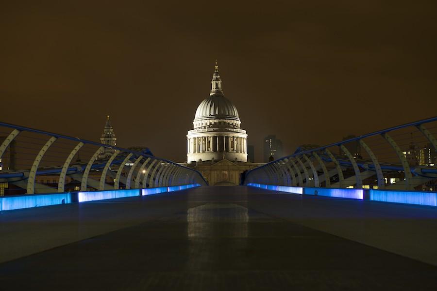 Cathédrale St Paul de Londres, vue du Millenium Bridge 2014-013
