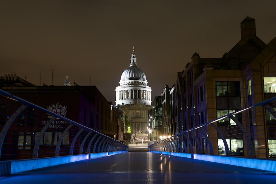 Cathédrale St Paul de Londres, vue du Millenium Bridge 2014-014