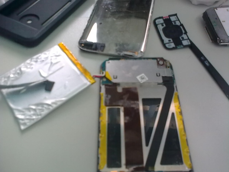 Apple iPod Touch Disassembly 05072013