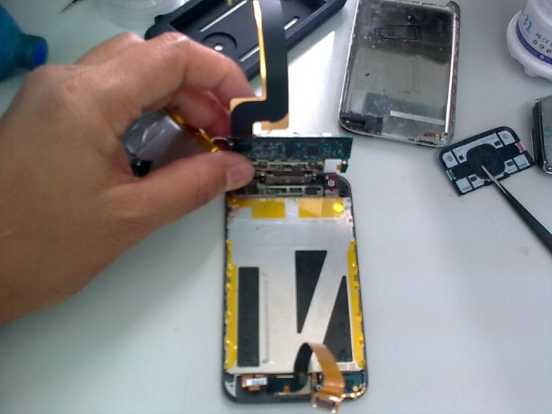 Apple iPod Touch Disassembly 05072014