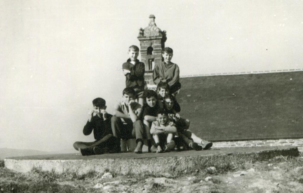 Quelques photos de la jeunesse insouciante de Brasparts de 1960 à 1970 Chenap10