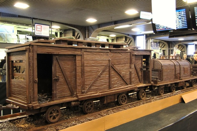 A train made entirely of chocolate Att00014
