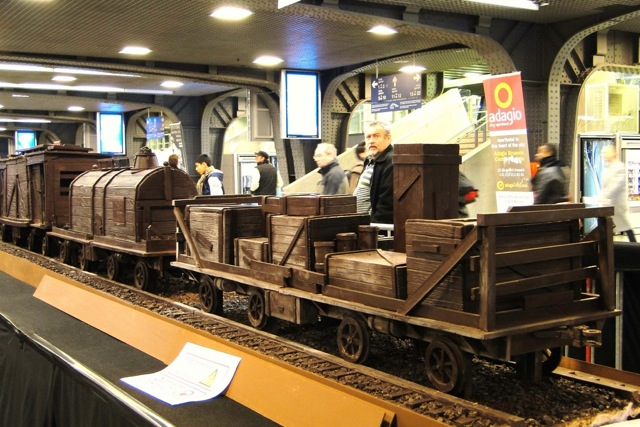 A train made entirely of chocolate Att00015