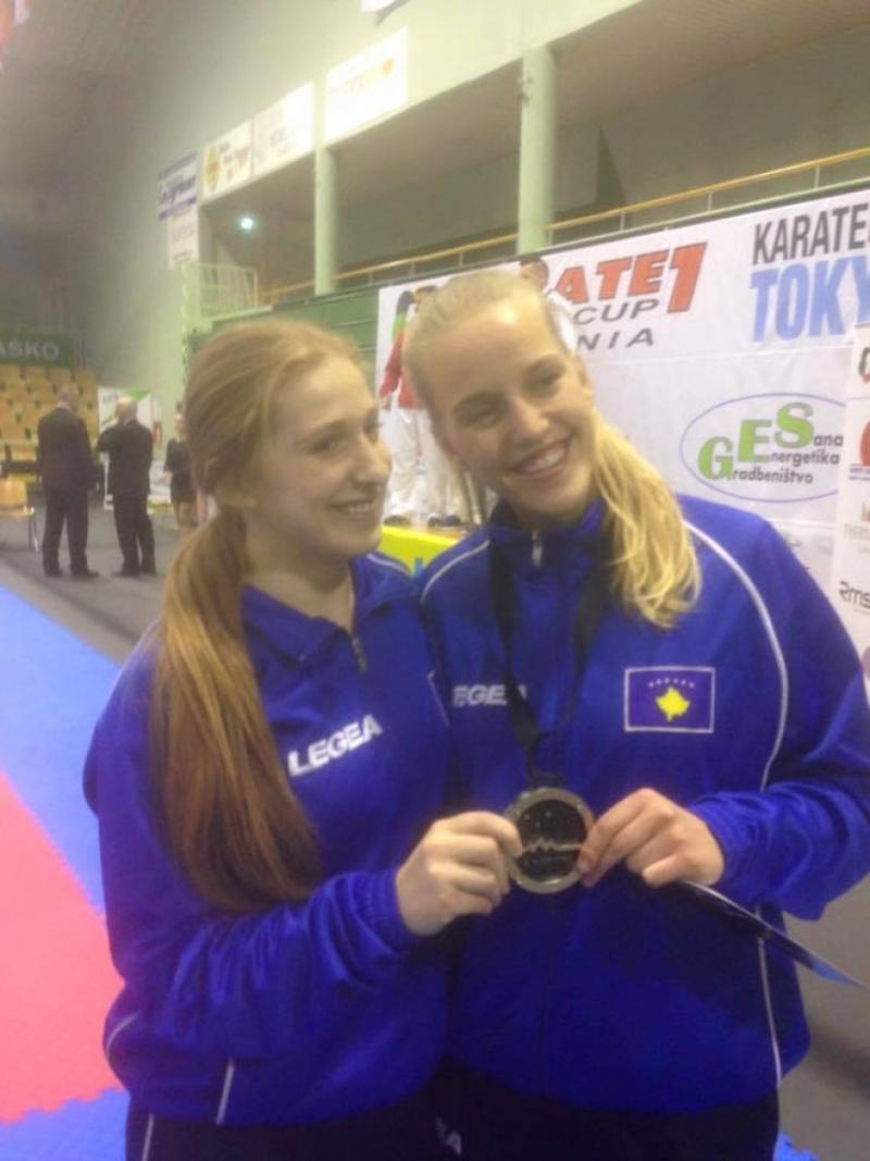 Dragusha me medalje të bronztë Auto_d10