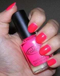 Les vernis a ongles couleurs flashy 31133910