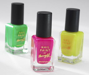 Les vernis a ongles couleurs flashy 8810