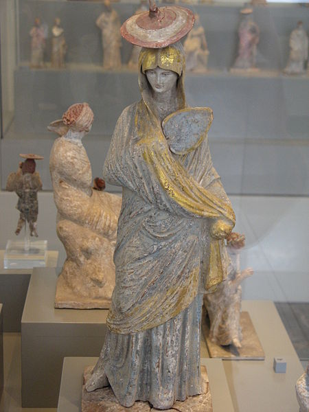 Tanagra (statuettes) 450px-11