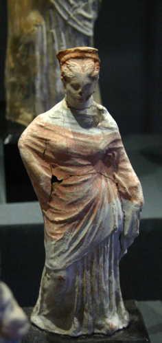 Tanagra (statuettes) Img_4215