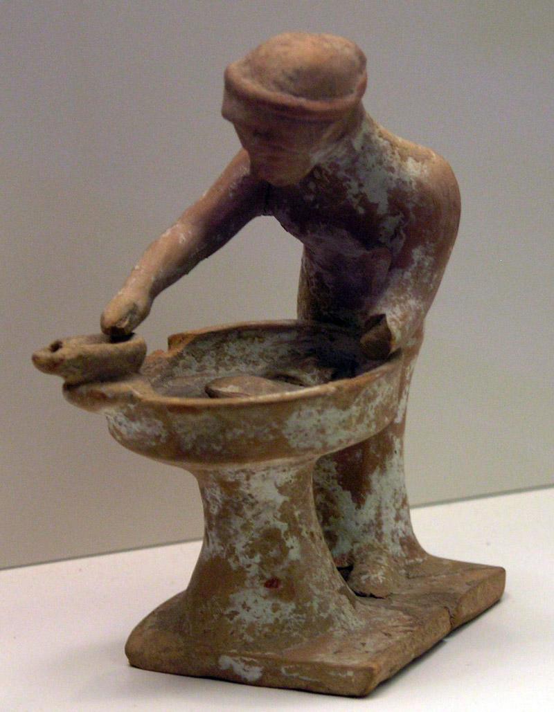 Tanagra (statuettes) Nama_f10