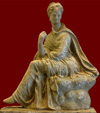 Tanagra (statuettes) Woman_10